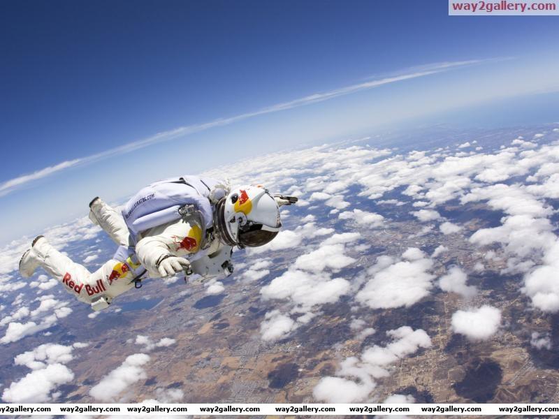 Felix baumgartner red bull sky jump