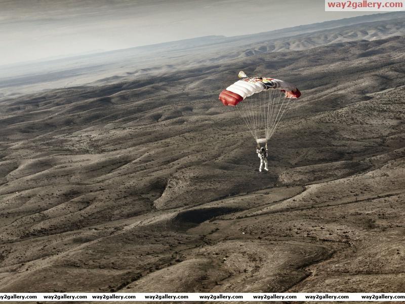 Red bull stratos completes 2nd manned flight felix baumgartner