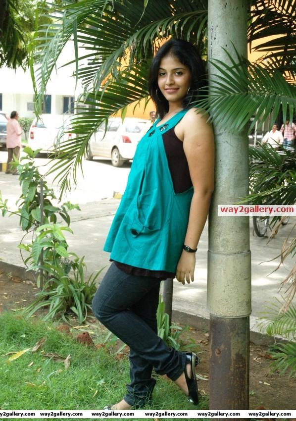 Anjali latest hot photo shoot photos