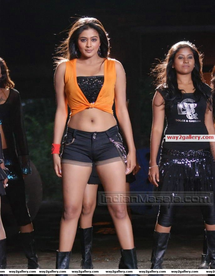 Hot priyamani in telugu movie pravarakhyudu
