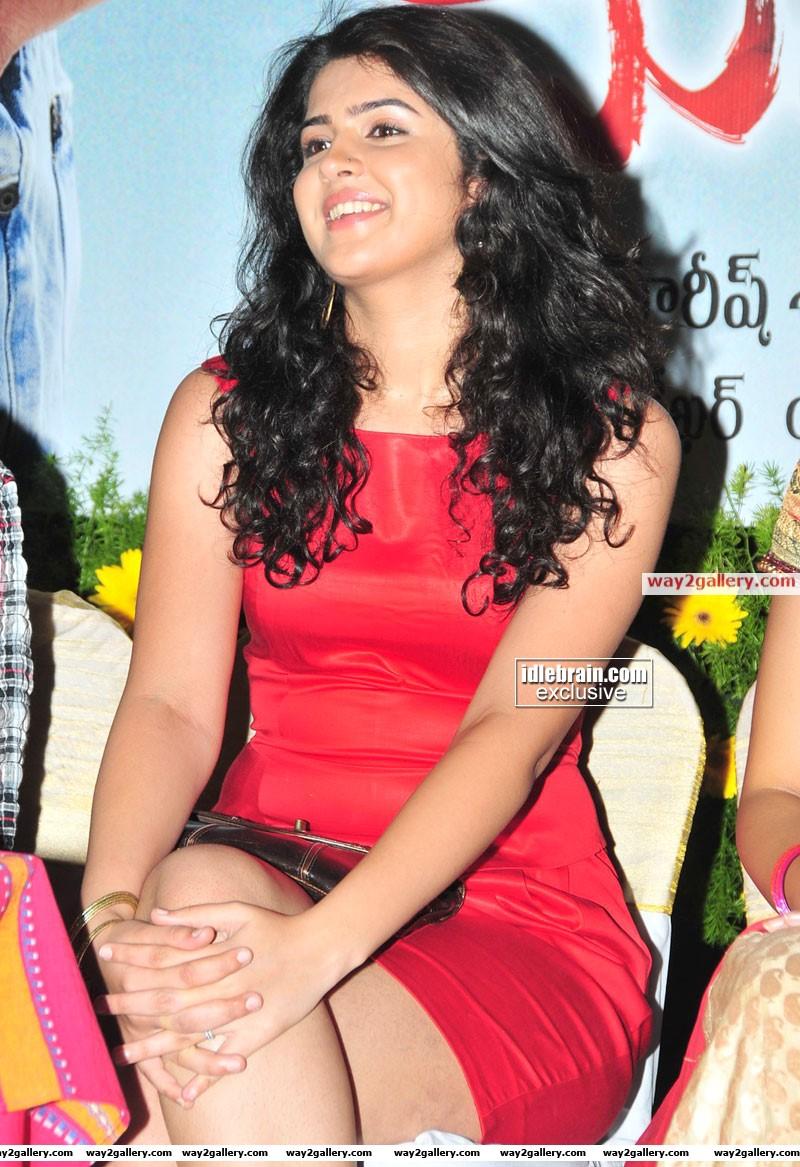 Deeksha seth images