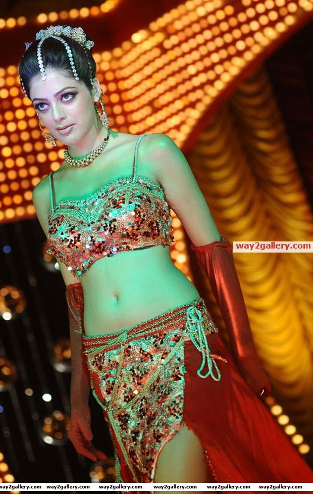Parvathi melton latest hot photos