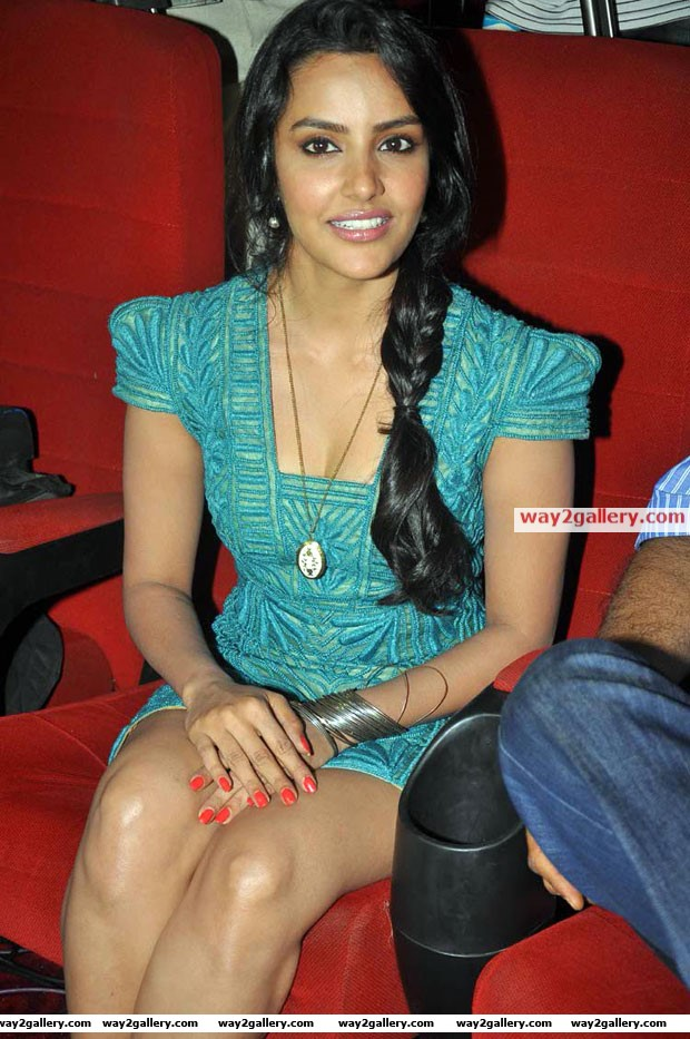 priya anand latest hot photos