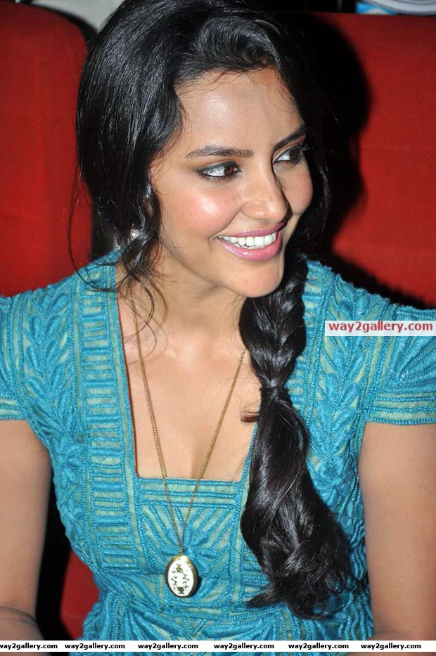 Priya anand latest hot photos