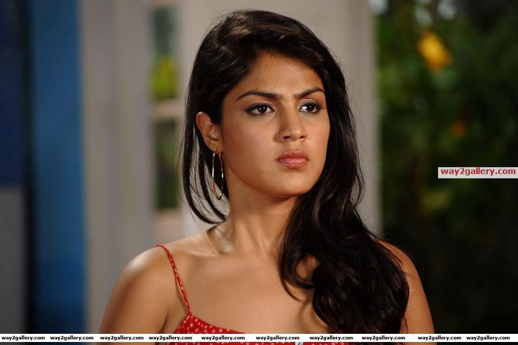 Ria chakravarthi latest hot photos