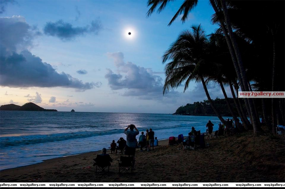 Total solar eclipse seen from australia  13th november 2012