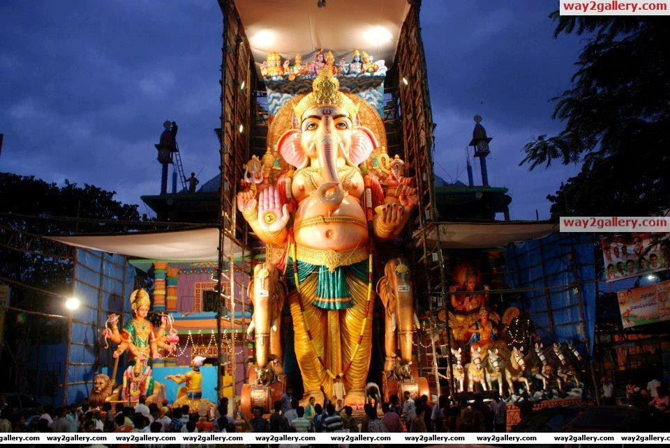 World famous 56 feet khairatabad ganesh idol 2012