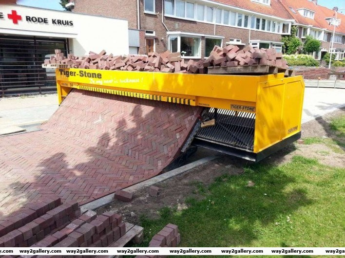 1 path laying machine
