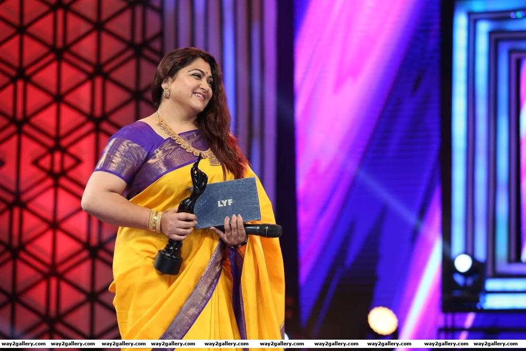 Khushboo was among the presenters at rd filmfare awards south