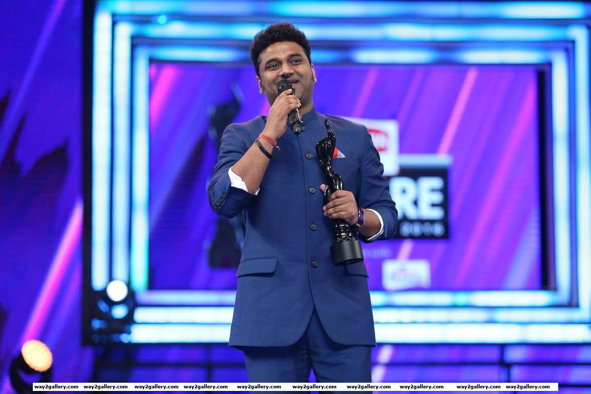 Thx filmfare  once again showerin lov on me my th filmfare thx sivakoratala urstrulymahesh  mythriofficial said devi sri prasad via twitter