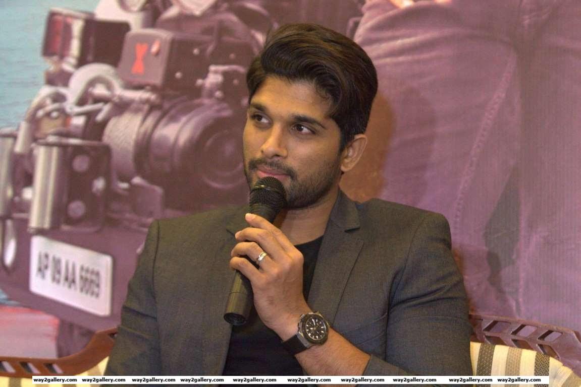 Allu Arjun promoted his latest Telugu film Sarrainodu in Bangalore