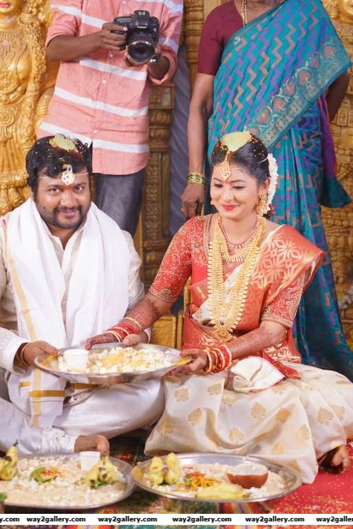 Bobby Simha and Reshmi Menon partake in wedding rituals