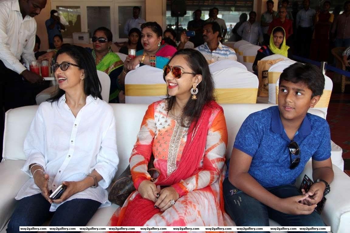 Gautami and Preetha Vijayakumar are all smiles during the celebrity cricket tournament