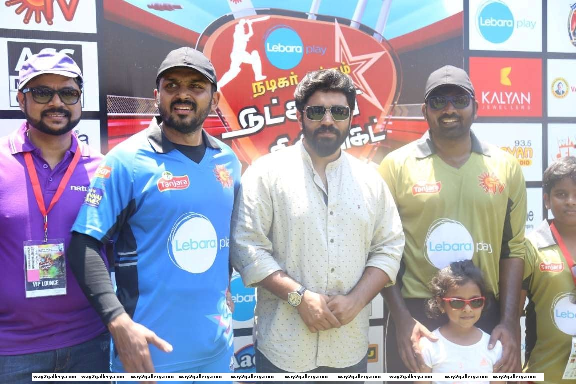 Nivin Pauly snapped at the Natchathira cricket tournament