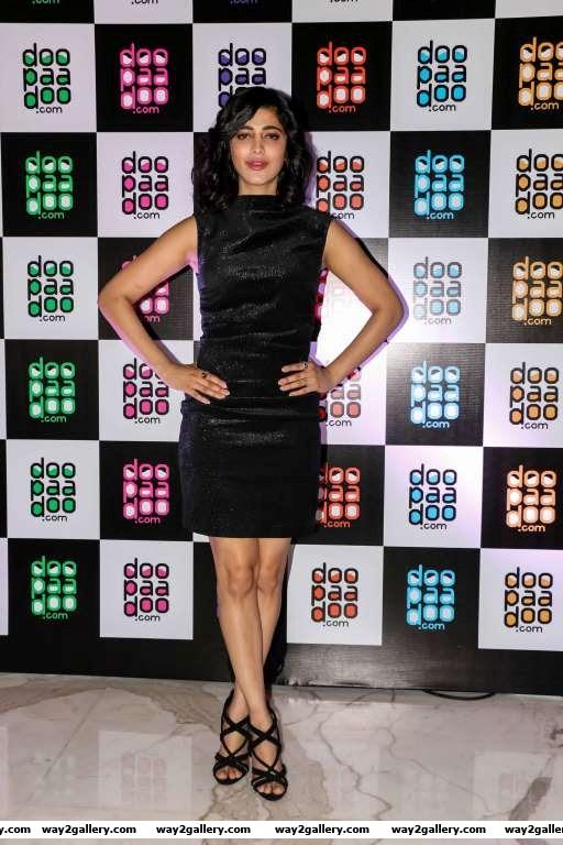Shruti Haasan arrives for the launch of Doopaadoo