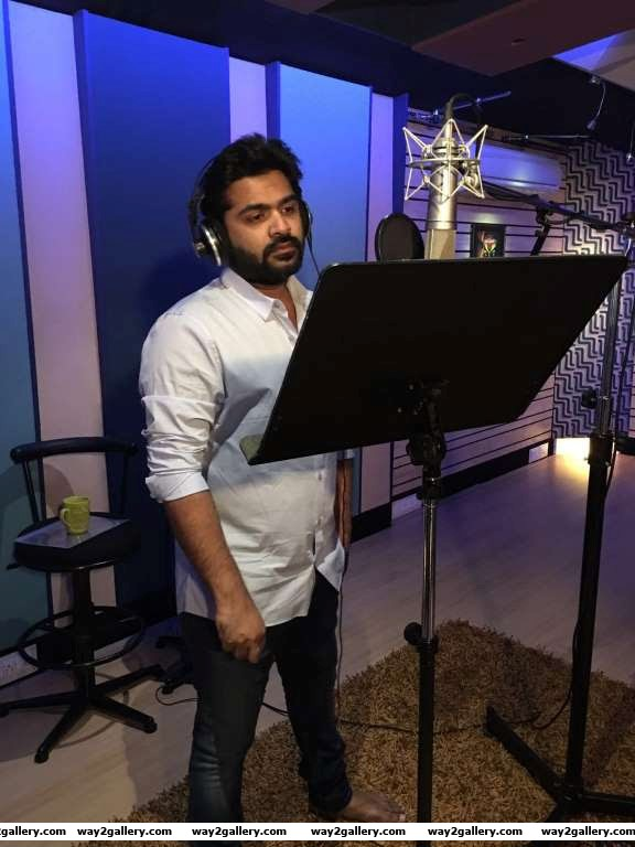Simbu recorded a peppy number Thaaru Maru for Vikram Prabhus upcoming Tamil film Veera Sivaji