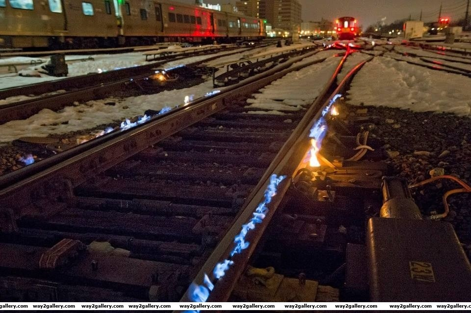 Amazing photo of how railtracks keep from freezing in russia