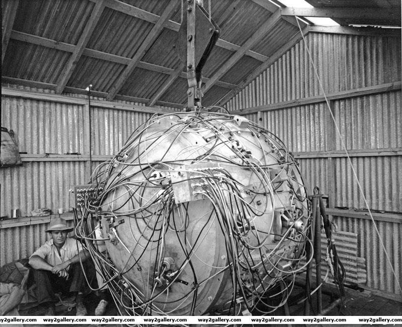 Amazing pics amazing pictures amazing photos first atomic bomb photo of first atomic bomb photography atomic bomb