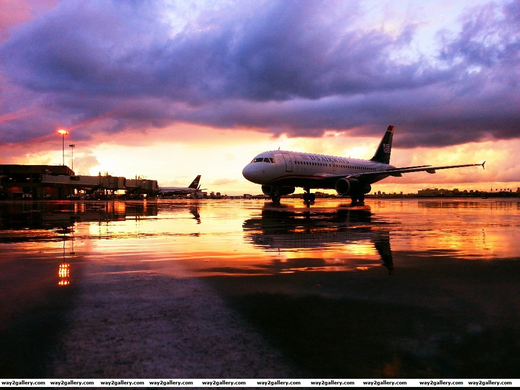 Beautiful picture of sunset at los angeles airport