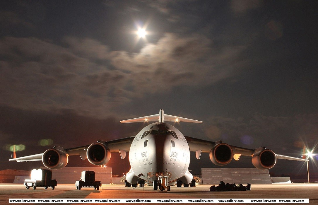 Cool photo of the massive boeing c 17 military aircraft