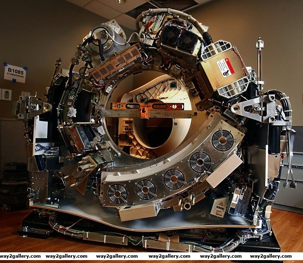 Ct scanner ct scanner machine cat scanner ct scanner without the cover uncovered ct scanner amazing pictures technology technology pictures