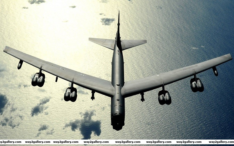 Incredible photo of the b 52 stratofortress bomber